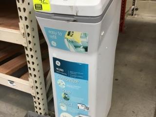 GE water softener (Inoperable - Display model)