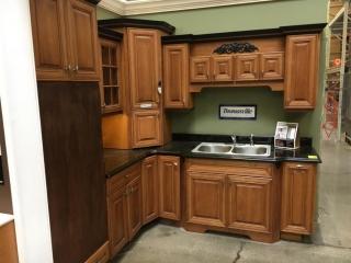 Thomasville Camden kitchen cabinets, maple with granite countertop