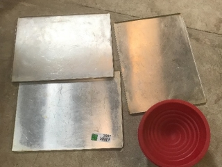 Small pans for tiny oven