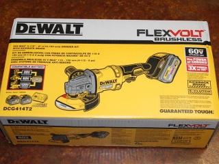 "(1) DeWalt FlexVolt Brushless 60V Max 4-1/2""-6"" Grinder Kit w/ Kickback Brake Model DCG414T2"