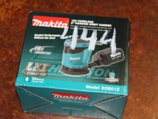 """(1) Makita 18V Cordless 5"""" Random Orbit Sander Model XOB01Z"""