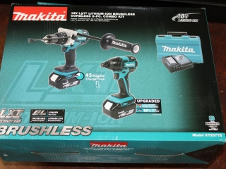 (1) Makita 18V LXT Lithium-Ion Brushless Cordless 2-Pc. Combo Kit Model XT257TB