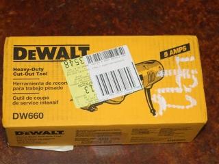 (1) DeWalt Heavy-Duty Cut-Out Tool Model DW660