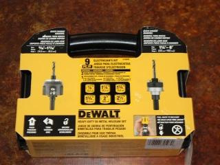 (1) DeWalt Heavy-Duty Bi-Metal Holesaw Set Model D180002