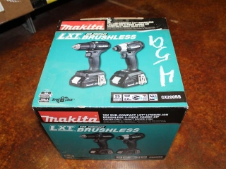 (1) Makita 18V Sub-Compact LXT Lithium-Ion Brushless 2-Piece Combo Kit (Driver-Drill/Impact Driver)