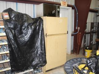 Whirlpool Refrigerator & Modern Maid Microwave