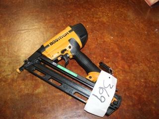 (1) Stanley BOSTITCH 15 Gauge Angled Finish Nailer Model N62FNK-2 (Case Included)