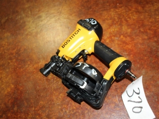 (1) Stanley BOSTITCH Coil Roofing Nailer Model RN46-1 w/ Box