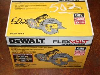 "(1) DeWalt FlexVolt Brushless 60V Max 7-1/4"" Circular Saw Kit w/ Brake Model DCS575T2"