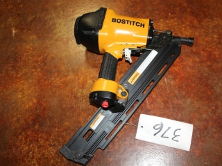 (1) Stanley BOSTITCH Industrial High-Power Paper Tape Framing Nailer System Model F33PT