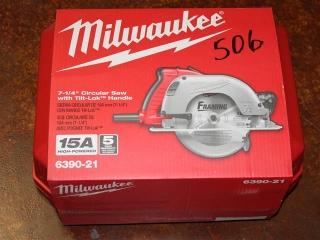 "(1) Milwaukee 7-1/4"" Circular Saw w/ Tilt-Lok Handle Model 6390-21"