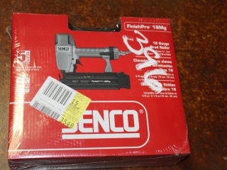 (1) Senco 18 Gauge Brad Nailer Model FinishPro 18Mg