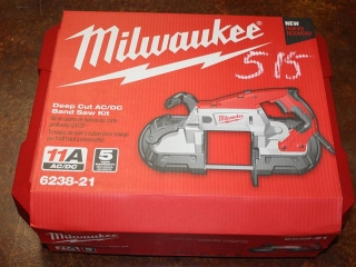 (1) Milwaukee Deep Cut AC/DC Band Saw Kit Model 6238-21