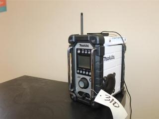 (1) Makita 18V Compact Lithium-Ion Cordless Job Site Radio (Tool Only) Model XRM02W