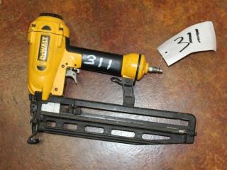 (1) Dewalt 16GA Finish Nailer Model D51256