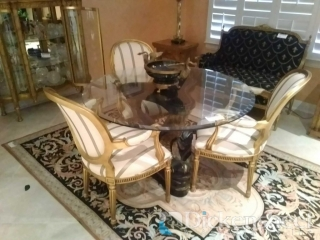 Round glass top decorative base dining table