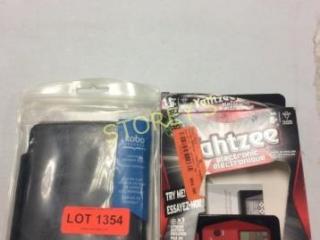 2 pc - Kobo e-Reader Case & Yahtzee Electronic