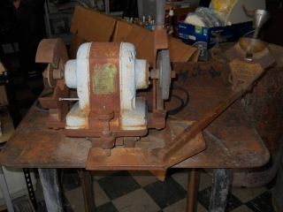 Belsaw Grinder on Stand Works...