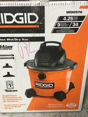 RIDGID 9 Gal. 4.25-Peak HP Wet Dry Vac with Wet Filter and Dust Bags (2-Pack) not used