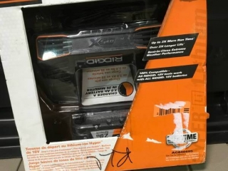 RIDGID 18-Volt Lithium-Ion 2.0 Ah Battery Pack and Charger Kit  in like new condition