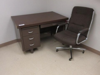 Single Pedestal Metal Desk, Five Shelf