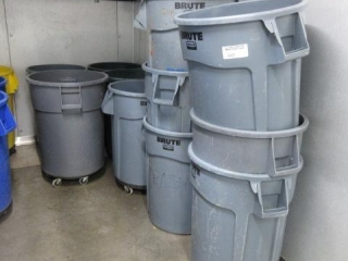 (13) Brute 55 Gallon Trash Cans, Some Have