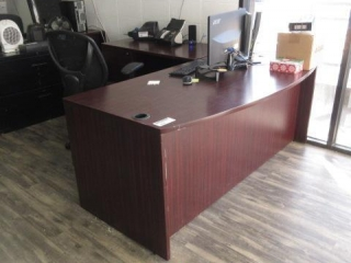Curved Front Desk With Left Return, 5 Star Chair,