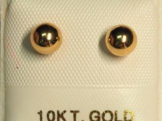 $200 10K Freshwater Pearl Reversible Earrings