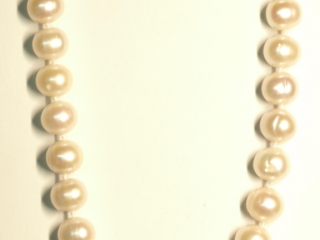 $200 SterlingSilver Clasp Pearl Necklace (app 67g)