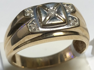 $1700 10K  Diamond 4.5Gm Men'S Ring
