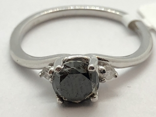 $2600 14K Black Dia 2 W.Dia Ring