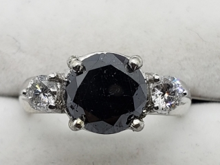 $6900 14K Black Dia W.Dia 4.50Gms Ring