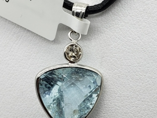 $2200 14K Aquamarine  Diamond Pendant