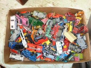 TOY CARS (HOT WHEELS, & OTHER) [98 PIECES]