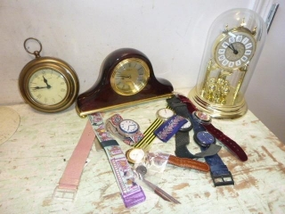 BATTERY OPERATED CLOCKS &POP SWATCHES
