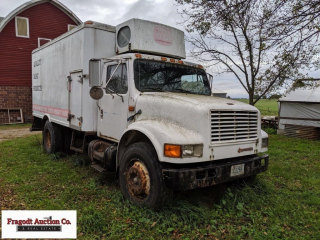 International Refer truck, 15? box, truck and refe