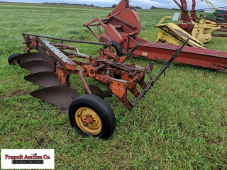 Case 4 bottom pull type plow with 2 coulters, bott