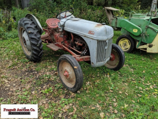 Approx 1952 Ford 8N tractor, 11.2-28 rears, hitch