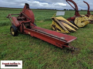 New Holland Model 24 silage blower with 10? convey