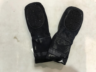 Bonfire Industrial Insulated Mitts - Must Take 6 Times Bid Price UNRESERVED