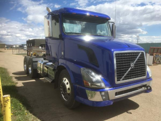 2015 Vovlo T/A Day Cab  **REBUILT STATUS**  UPDATED INFO