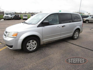 2009-Dodge-Grand-Caravan-SE_1.jpg