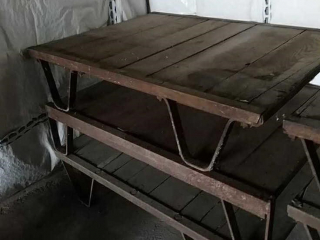 Industrial pallet, middle one-selling individually