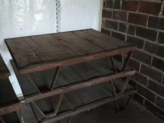 Industrial pallet, middle only
