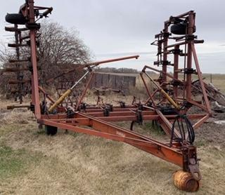 Farm Equipment Auction for Arol Phair Image 34