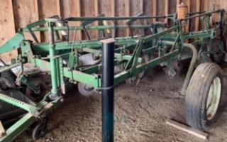 Farm Equipment Auction for Arol Phair Image 30