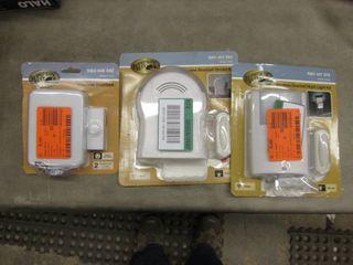 Lot of 3 Wireless Doorbells open bo...