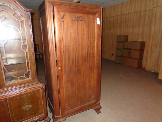 Live Estate Auction