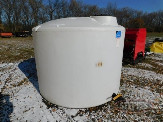 1-500-gal--poly-tank--2--outlet_1.jpg