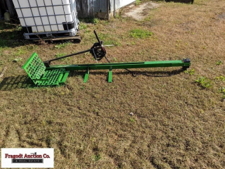 Electric man lift was used on John Deere 7720 comb